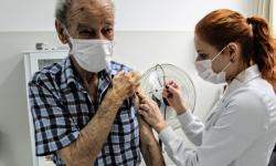 Idosos de 85 a 89 anos começam a ser vacinados