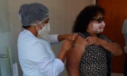 Prefeitura antecipa vacinação de idosos