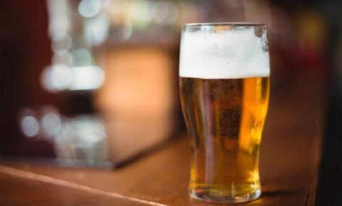 Final de semana, bares estão proibidos de funcionar e venda de bebida alcoólica está suspensa