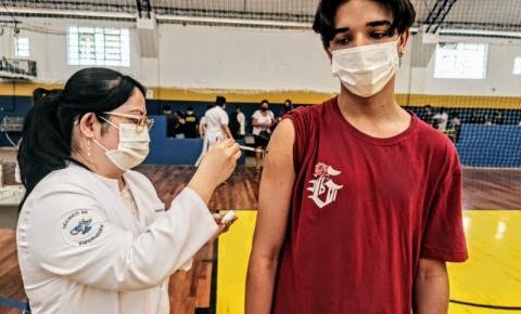 Secretaria de Saúde abre agendamento para vacinação de pessoas acima de 12 anos