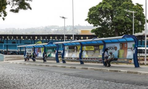 Prefeitura instala mais de 40 novos abrigos de ônibus