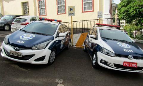 Carros do crime se  transformam em viaturas