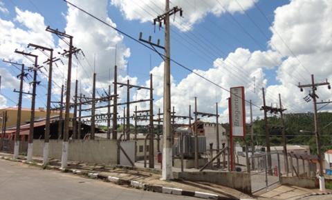 População reclama de constante  falta de energia elétrica