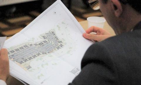Projeto de habitação é entregue à Caixa Econômica Federal