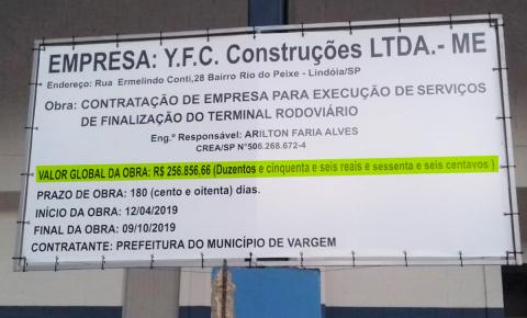 Depois de reportagem do JBR, Prefeitura coloca placa em obra, mas com erro